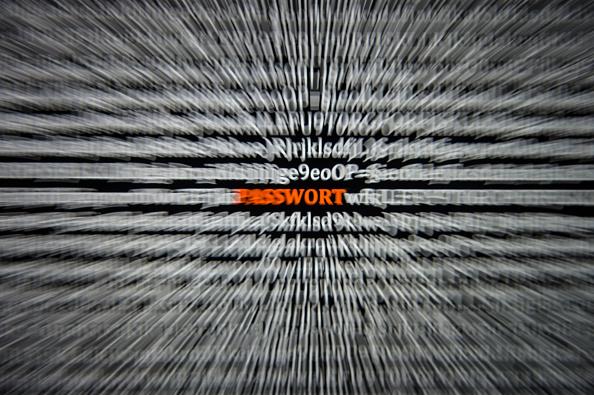 Especialistas en ciberseguridad recomiendan extremar las precauciones con los datos que se intercambian en internet. (Getty Images)