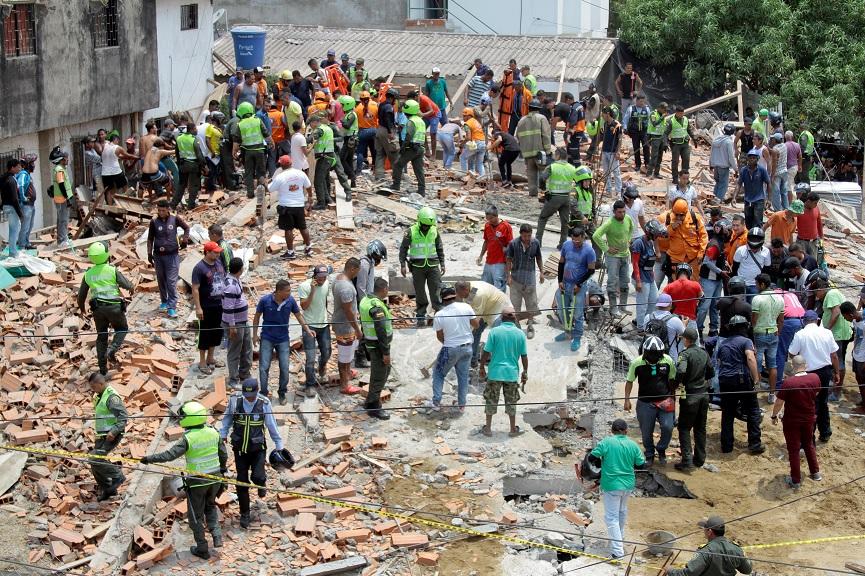 Mueren, trabajadores, edificio, Colombia, Cartagena, desplomarse, Cruz Roja