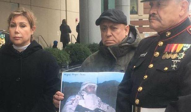 Civiles piden no deportar al exsoldado de origen mexicano Miguel Perez Jr. (www.dnainfo.com)