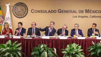 Siete integrantes de la Conago asisten al Consulado de México en Los Ángeles, California, para conocer los programas de protección a mexicanos (Twitter @MayorOfLA)