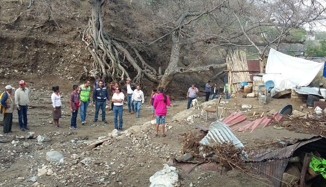 Continúa la búsqueda de persona desaparecida en Teotitlán de Flores Magón, Oaxaca luego de lluvias. (Twitter @CEPCO_GobOax)