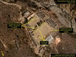 Las imágenes muestran en la base de Punggye-ri persistente actividad en el portal norte. (38north.org)