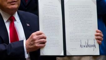 Donald Trump firmó una orden ejecutiva en materia energética. (Getty Images)
