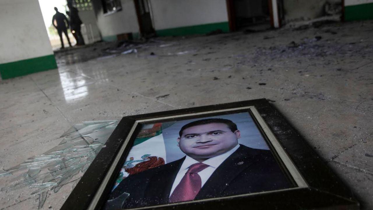 De acuerdo con información de inteligencia del Gobierno Federal, la supuesta visita de los tres hijos del exgobernador de Veracruz habría llevado a las autoridades a descubrir el paradero de Javier Duarte, quien fue detenido la noche de este sábado en el Hotel Rivera de Panajachel, en Guatemala. (AP, archivo)