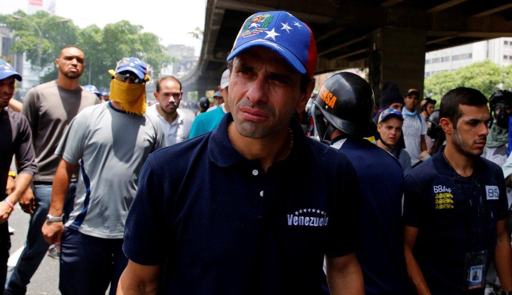 El líder opositor venezolano, Henrique Capriles, salió a las calles para protestar contra Nicolás Maduro.