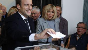 A sus 39 años, Emmanuel Macron, el candidato socioliberal, aspira a convertirse en el presidente más joven en la historia de Francia. (AP)
