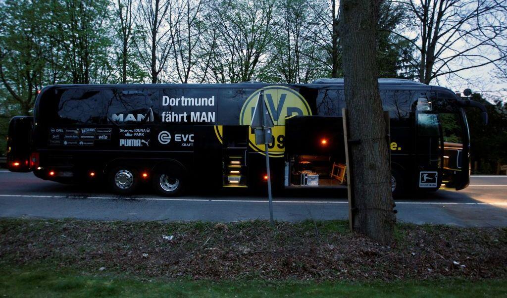 El autobús del equipo alemán Borussia Dortmund fue atacado con explosivos.
