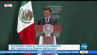 EPN agradece labor del Servicio Exterior Mexicano