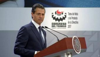 El presidente Enrique Peña Nieto encabeza la ceremonia de toma de protesta del Congreso del Trabajo. (Presidencia de la República)