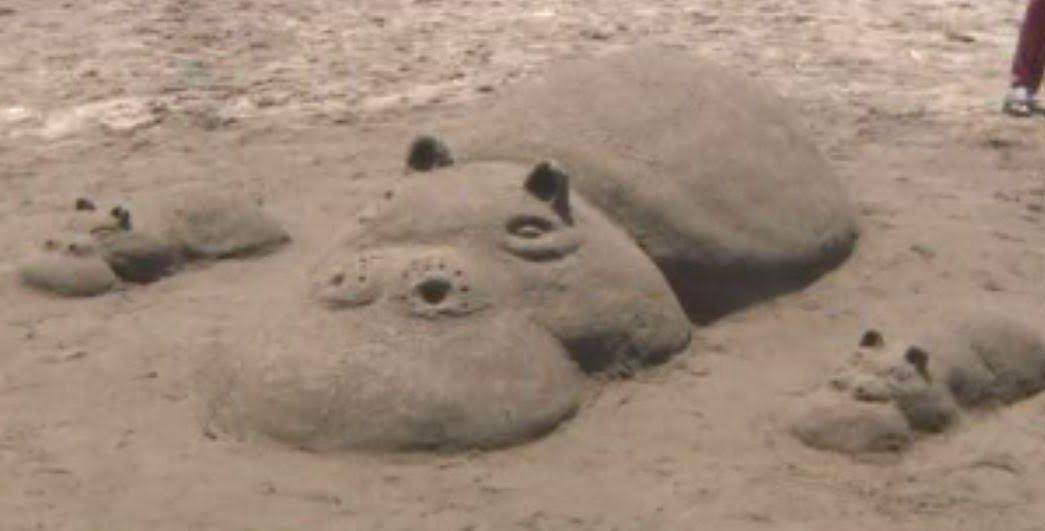 Realizan esculturas de arena en playa de Coatzacoalcos, Veracruz. (Noticieros Televisa )