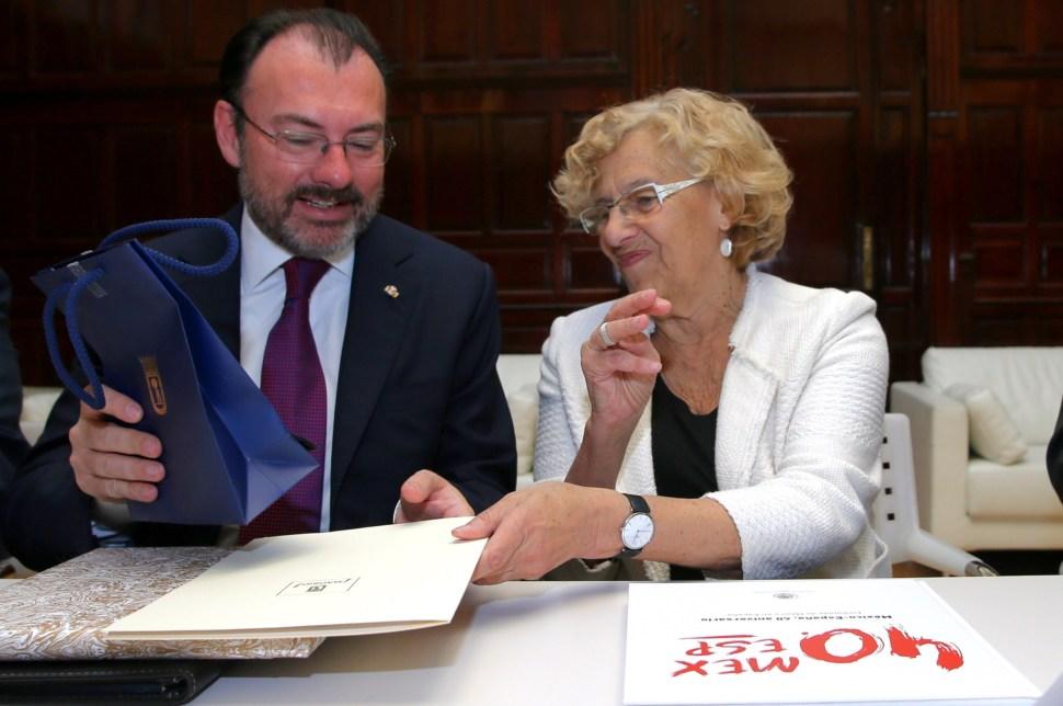 El secretario de Relaciones Exteriores, Luis Videgaray Caso, sostiene reunión con Manuela Carmena, alcaldesa de la ciudad de Madrid (SRE)