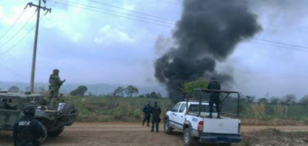 Fuga de hidrocarburo causa incendio en río Omealca, Veracruz. (Noticieros Televisa)