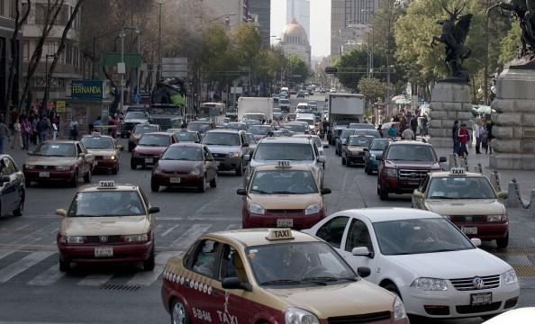 vehículos, holograma no circula, trafico, ciudad de méxico