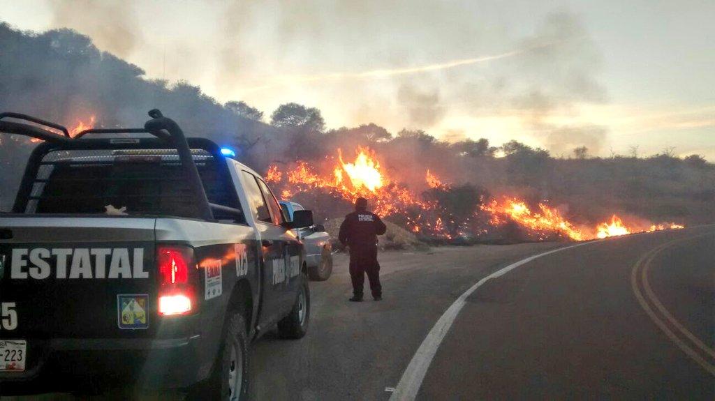 Las altas temperaturas y el ambiente extremadamente seco de Sonora mantienen el riesgo de más incendios. (Twitter: @PespSonora)