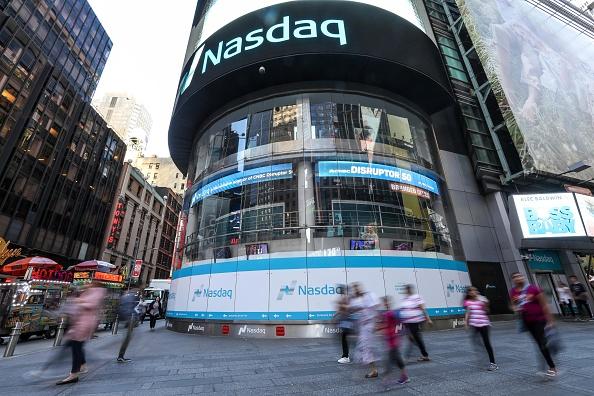 Vista del mercado de valores Nasdaq en Manhattan (Getty Images, archivo)