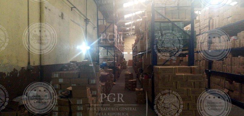 Inmueble decomisado por tener artículos industriales apócrifos en la CDMX. (PGR)