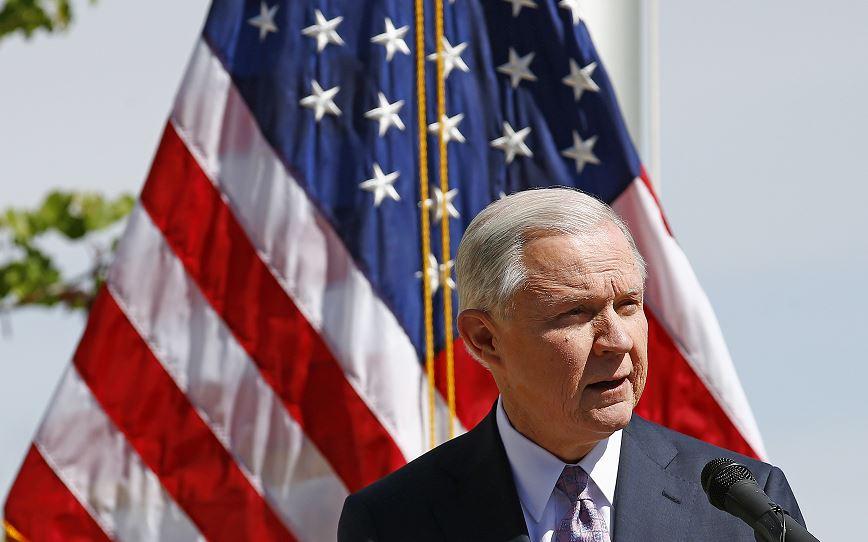 El fiscal general de Estados Unidos, Jeff Sessions, afirmó que 'el Departamento de Justicia está satisfecho con que el supuesto asesino del agente fronterizo Brian Terry haya sido capturado . (AP, archivo
