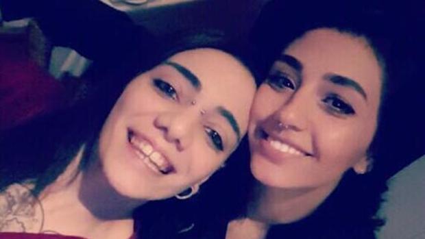María Jimena Rico, joven española que desapareció en Turquía, posa junto a Shaza Ismail (abc.es)