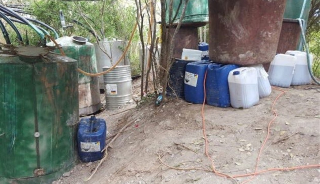 Policía Militar decomisa laboratorio clandestino de drogas sintéticas en Culiacán, Sinaloa