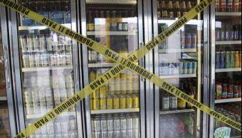 Queda prohibido la venta y el expendio gratuito de bebidas alcohólicas. (@InformalDiario)