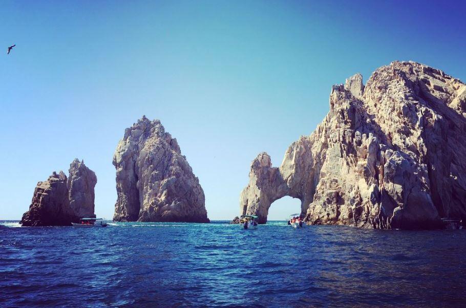 Además del buen clima, Los Cabos atrae a familias por la gran variedad de actividades acuáticas (Twitter/@edelamadrid)