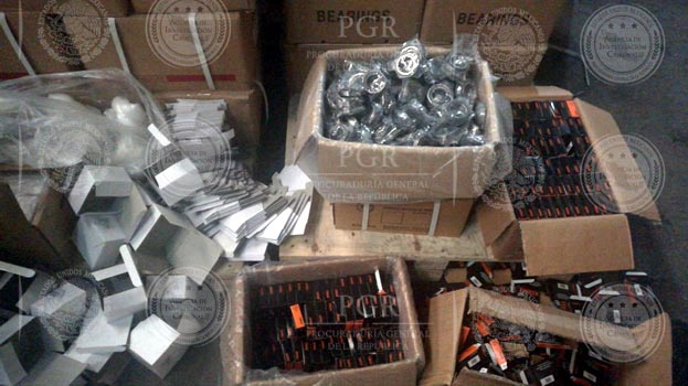 Material apócrifo decomisado en la CDMX. (PGR)