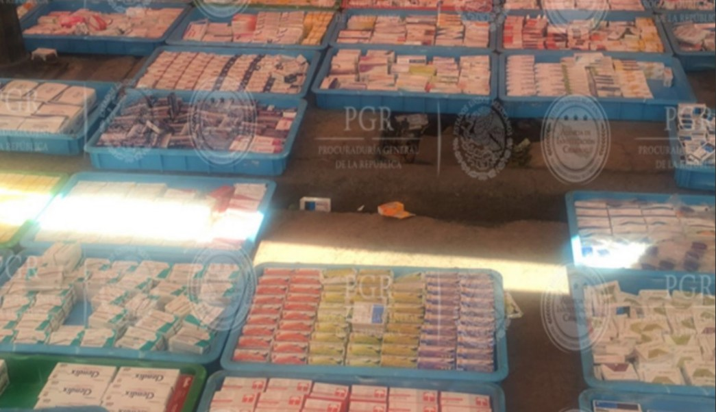 Medicamentos falsos son incautados en calles de Tepito; detienen a 5 personas por el delito (Twitter @PGR_mx)