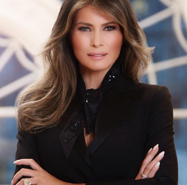 """""""Me siento honrada de servir en el papel de Primera Dama, y espero trabajar en nombre del pueblo estadounidense en los próximos años"""", dijo Melania Trump (Foto: whitehouse.gov)"""