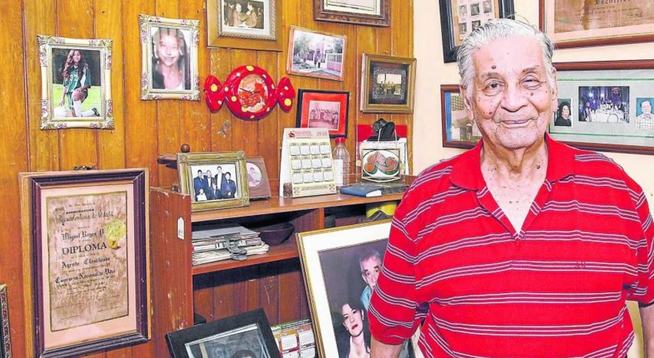 Este jueves falleció a la edad de 95 años Miguel Reyes Palencia, el verdadero 'Bayardo San Román' de 'Crónica de una muerte anunciada', de García Márquez. (Twitter: @ELTIEMPO)