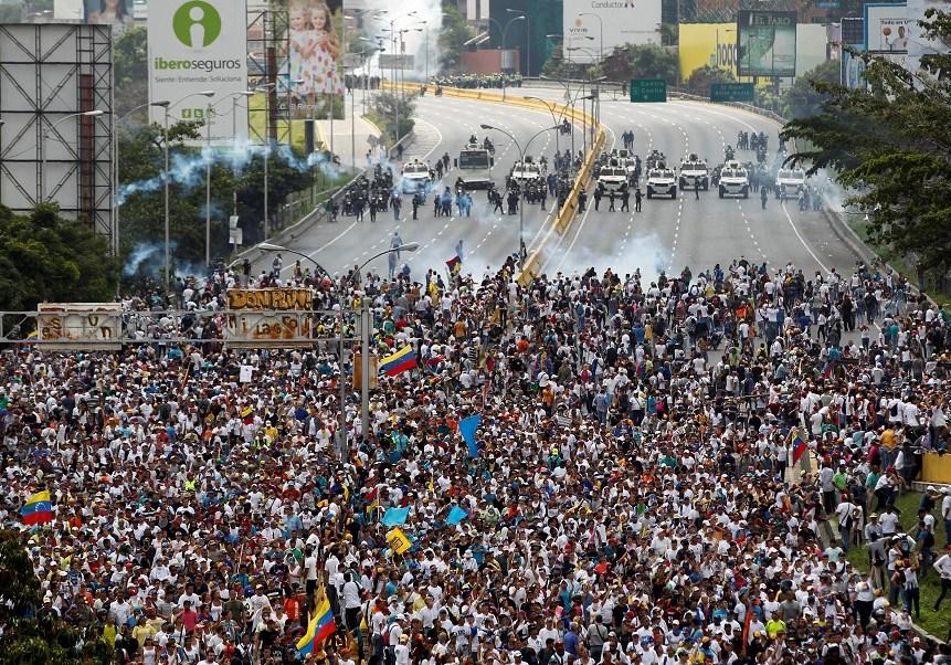 Millones de venezolanos salieron a las calles para protestar contra el presidente Nicolás Maduro.