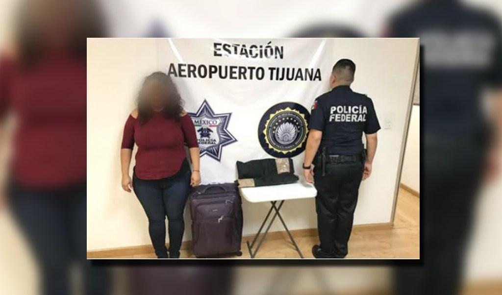Bulto oculto con heroína es asegurado en el Aeropuerto de Tijuana, Baja California (Twitter, @PoliciaFedMx)