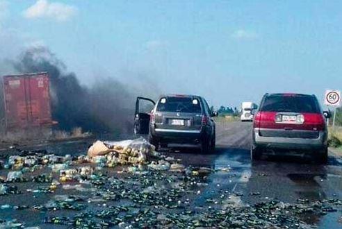 Autobús de pasajeros choca con tráiler en Jalisco; hay 20 heridos