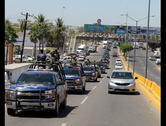 Operativo de la Policía Estatal y del Ejército Mexicano en Sinaloa. (Facebook-SSP Sinaloa)