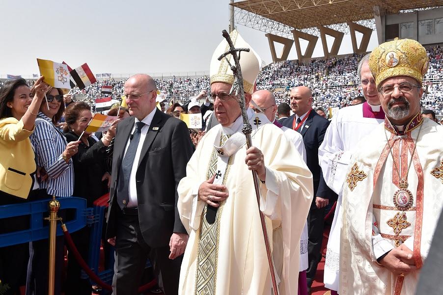 El Papa Francisco durante una histórica visita a Egipto. (AP)