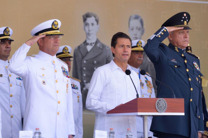 Peña Nieto encabezó la conmemoración del 103 Aniversario de la Defensa del Heroico puerto de Veracruz, que se celebró en el municipio de Alvarado (Presidencia de la República)