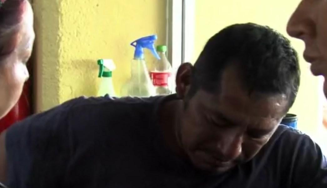 Efraín García Ramírez, uno de los dos pescadores náufragos de Oaxaca, logró sobrevivir tras pasar varios días mar adentro. (Noticieros Televisa)