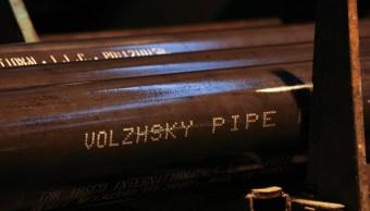 Tubos de acero para uso en oleoductos y gasoductos en la planta de tuberías Volzhsky OJSC, operado por TMK PJSC, en Volzhsky, Rusia. (Getty Images)