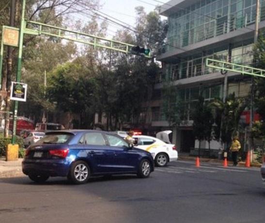 Policías mantienen operativo de seguridad en vialidades de la colonia Roma (Twitter @dftrafico/archivo)