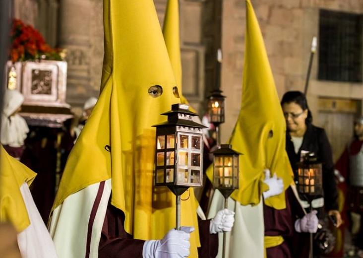 La Procesión del Silencio es considerada la segunda en importancia de Semana Santa después de la Procesión de Sevilla España (Twitter @GobEdoSLP)