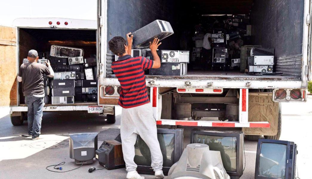 Recolectan aparatos electrónicos obsoletos o en desuso en Ciudad Juárez, Chihuahua