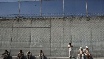 El funcionario permitía la venta y distribución de droga al interior del centro penitenciario a su cargo (AP/Archivo)