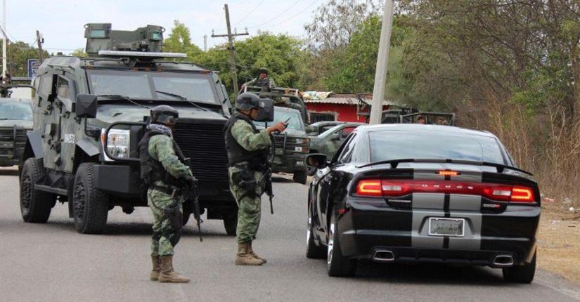 Elementos de la Secretaría de Marina realizan un operativo (Twitter @SinaloaPress)