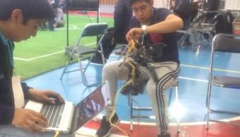 Estudiantes preparan robot para concurso; los ingenieros participarán en Mundial de Robótica en Japón (Facebook-Instituto Tecnológico Superior de San Martín Texmelucan)