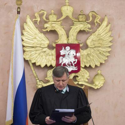 Rusia prohíbe las actividades de los Testigos de Jehová