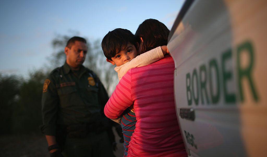 Sólo mil 125 niños que viajaban con tutores, la mayoría mujeres, fueron detenidos en la frontera sur de Estados Unidos en marzo.
