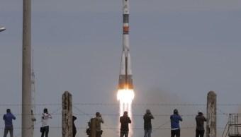 Será la primera vez que una Sozuz MS se enganche a la plataforma orbital. (AP)