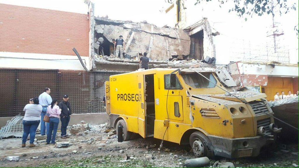 Un comando armado atacó la empresa de valores Prosegur en Paraguay.