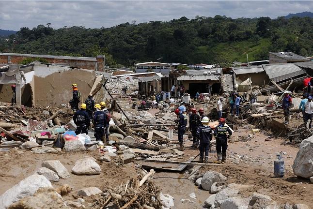 Una avalancha provocó la muerte de más de 200 personas en la comunidad de Mocoa, en Colombia.