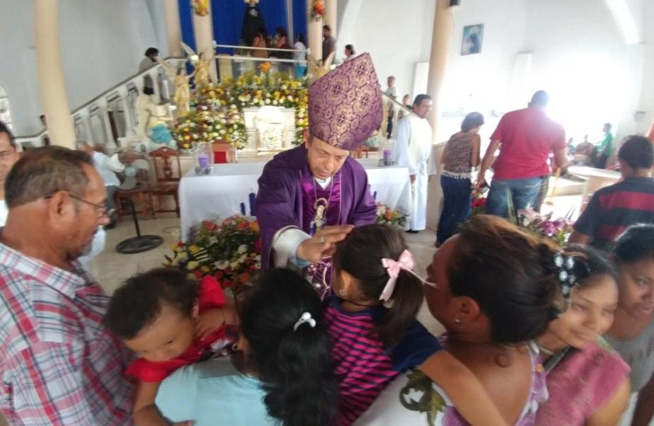 Como cada año en Semana Santa, cientos de católicos acuden a venerar a la Virgen de la Dolorosa, popularmente conocida como Virgen de Chuiná. (Twitter: @tujaguar)