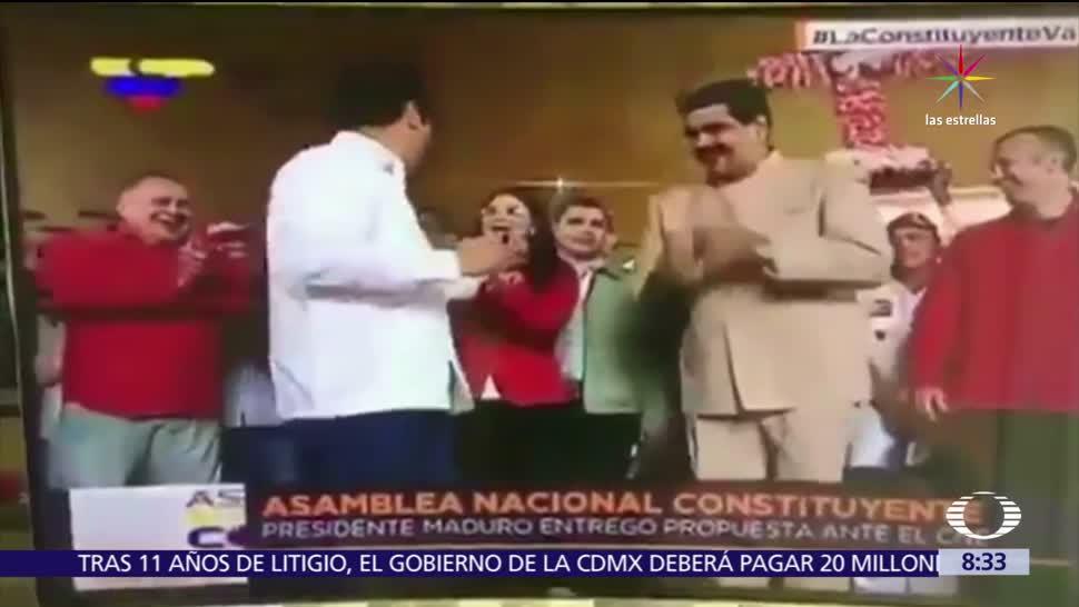 presidente de Venezuela, bailando salsa, Consejo Nacional Electoral, Policía, manifestantes